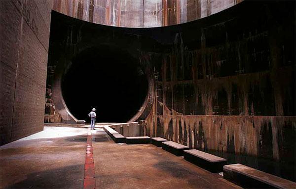 tokyo-underground-temple-6