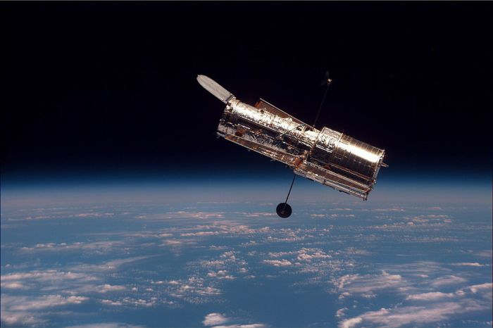 Hubble_in space_image_discovary